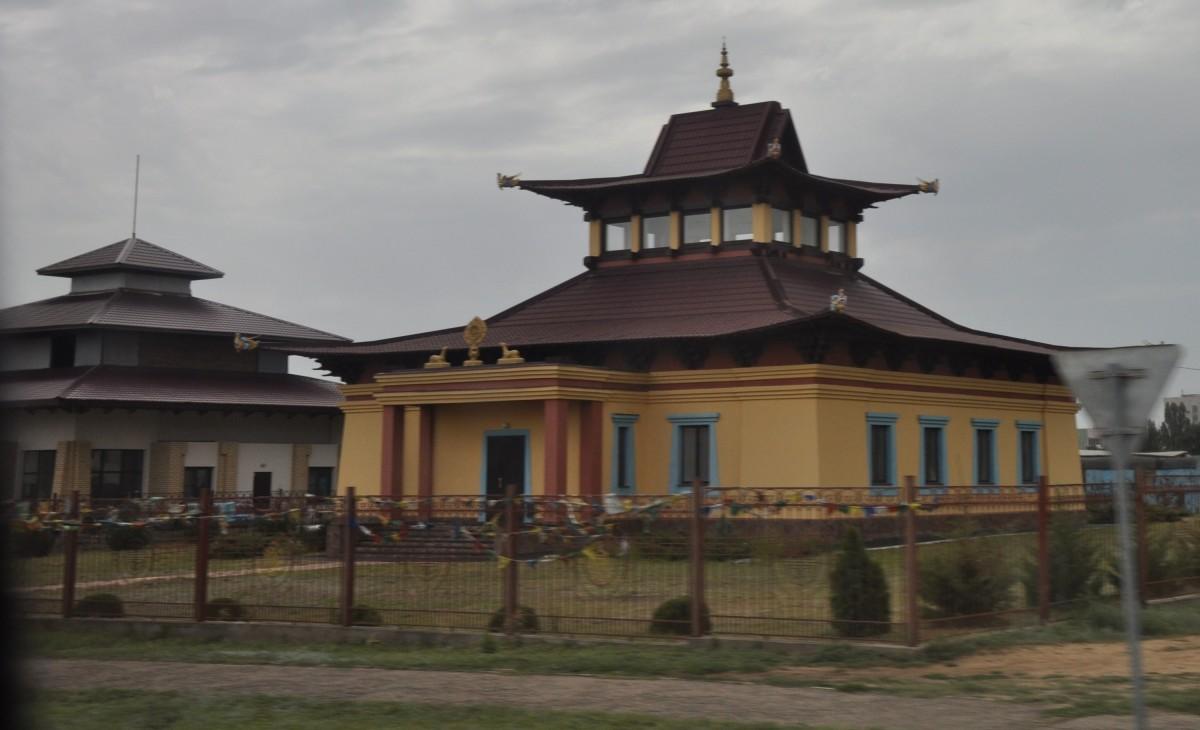 Хурулы в Элисте