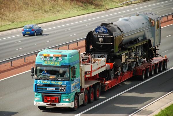 транспортировка локомотива паровоза