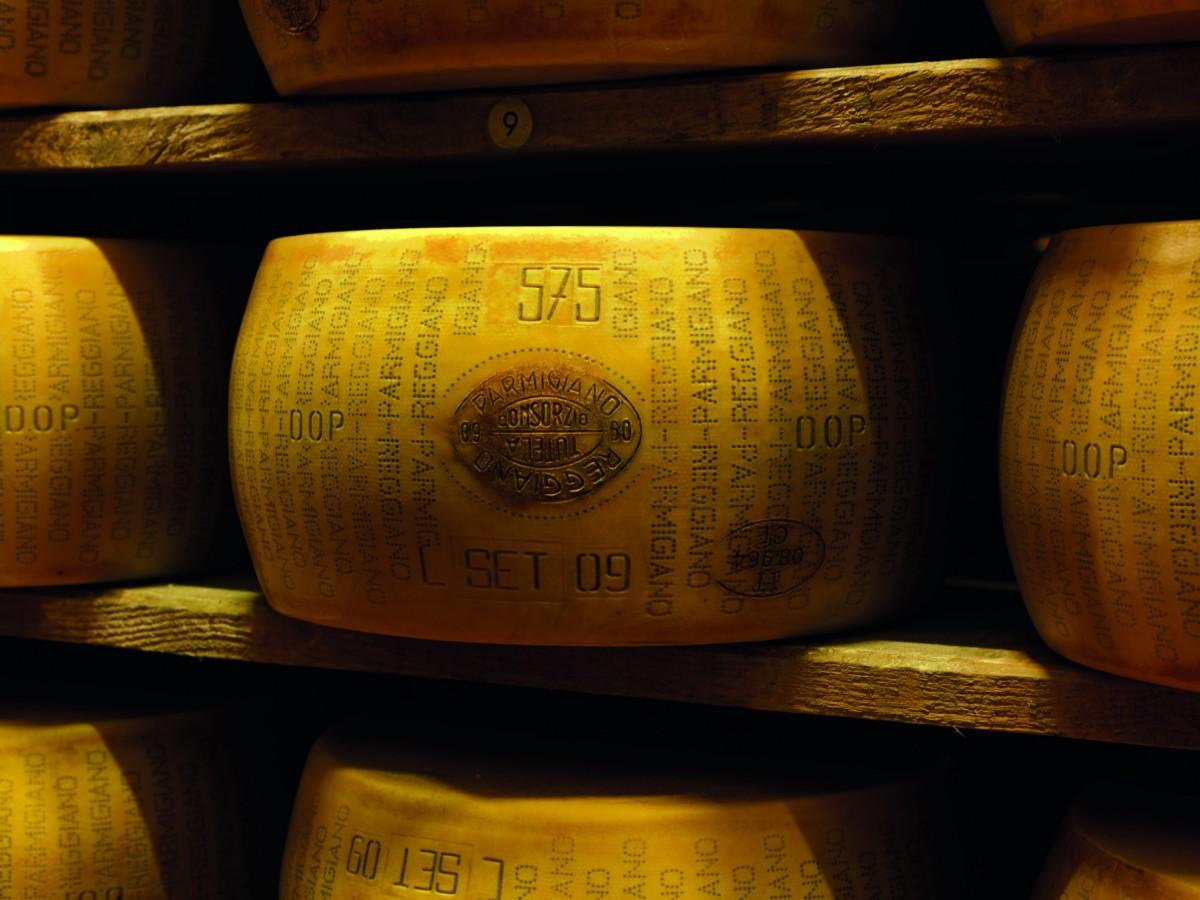 пармезан DOP - Parmigiano Reggiano