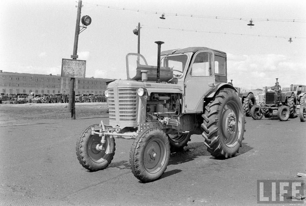 Минский тракторный завод в журнале Лайф