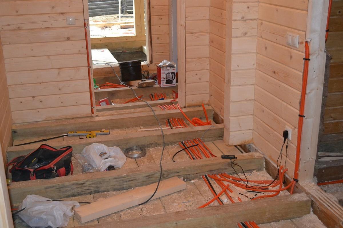разводка элетросетей по деревянному дому