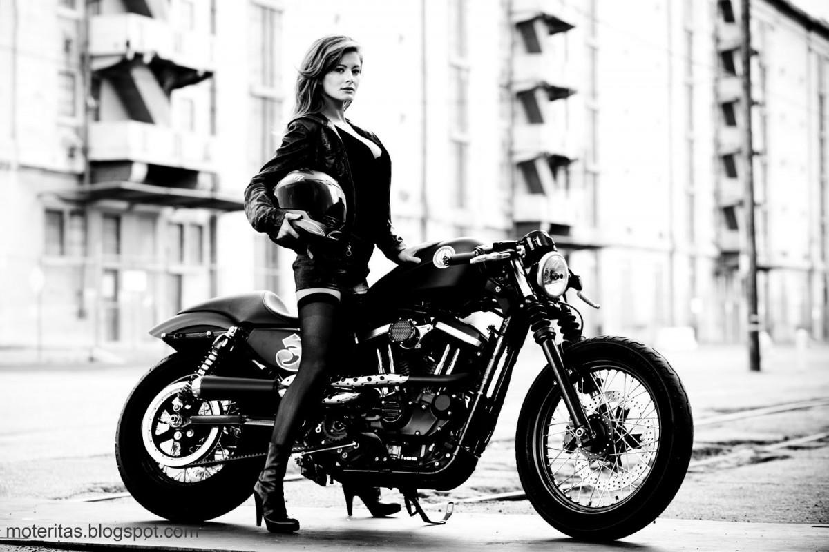 Harley Davidson девушка