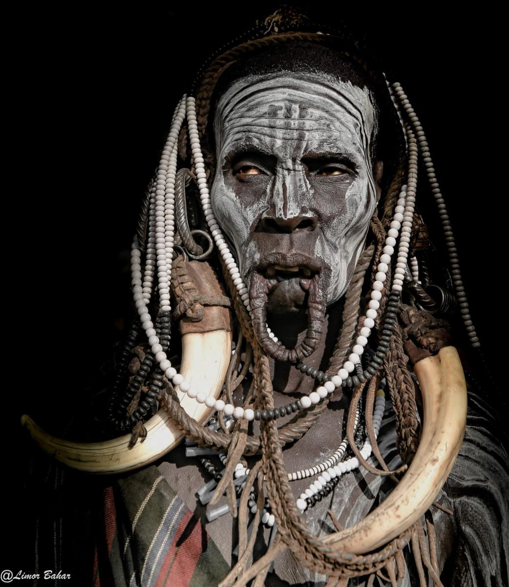 Эфиопия. Жещина из местного племени