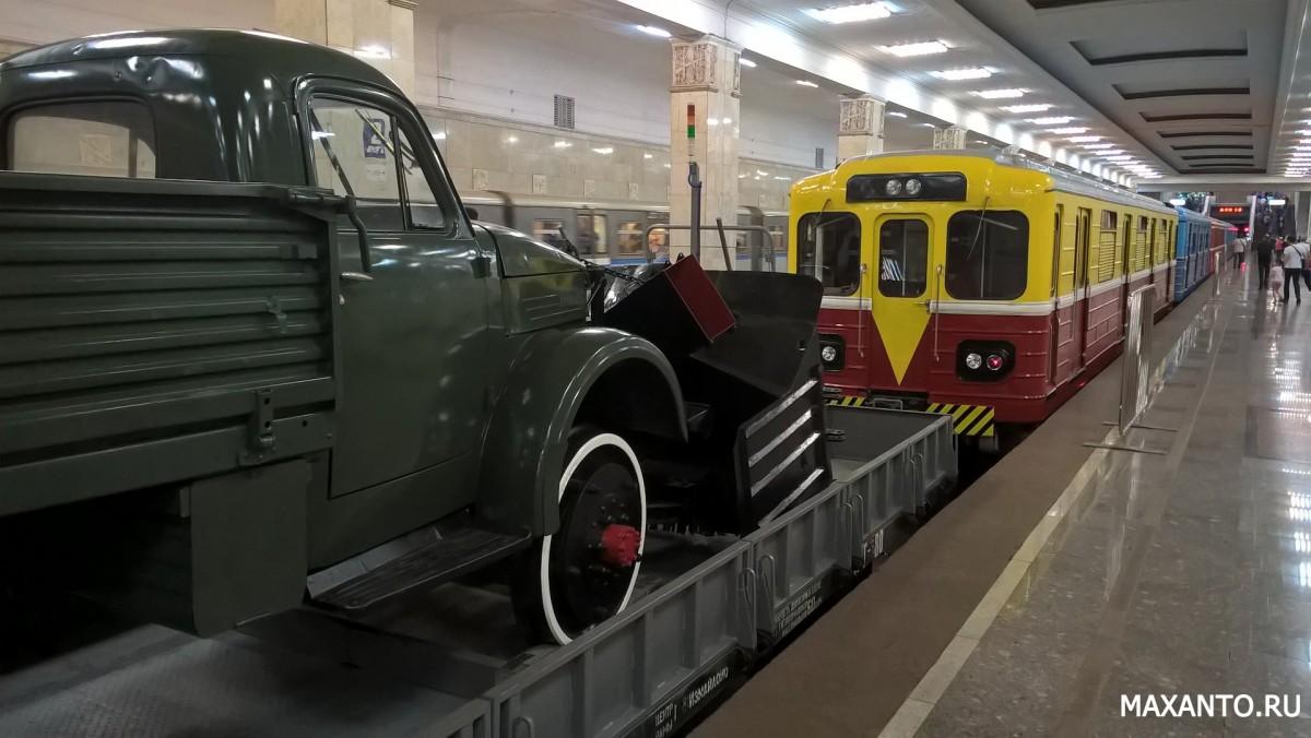 ретро-поезда выставка в московском метрополитене
