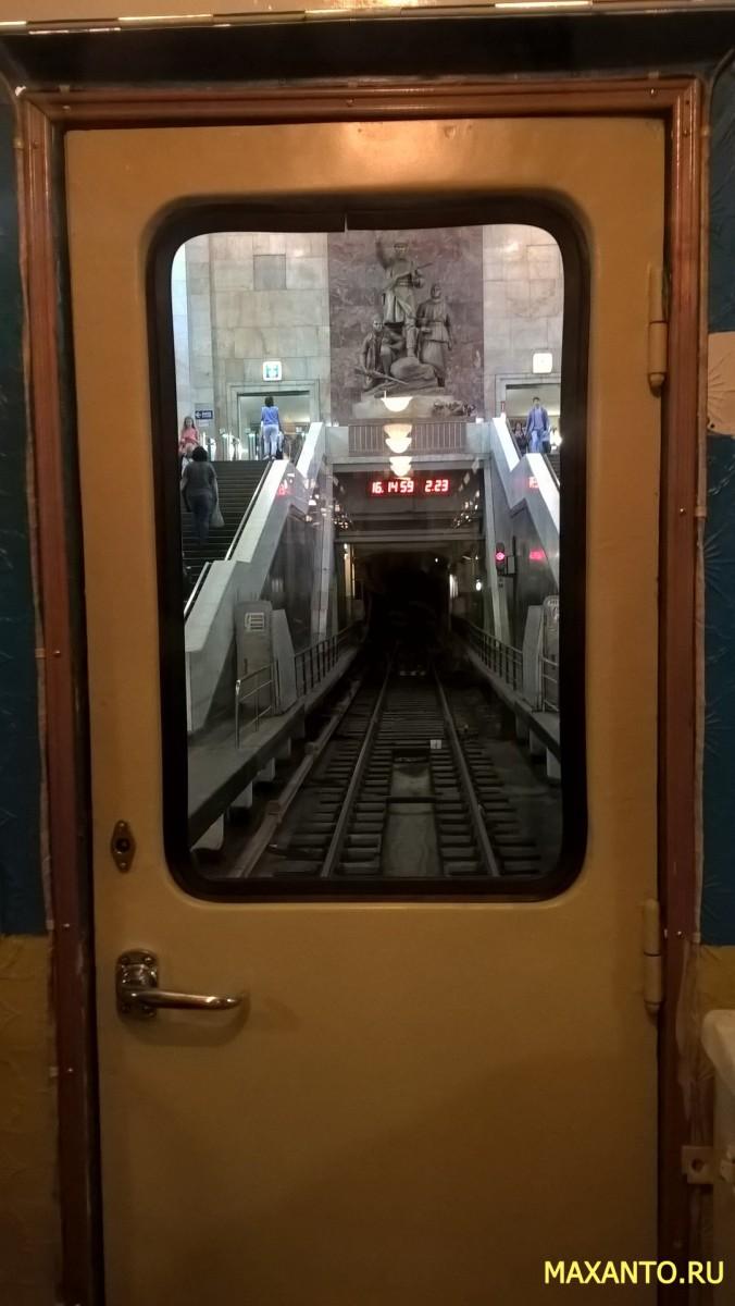 выставка ретро поездов метро